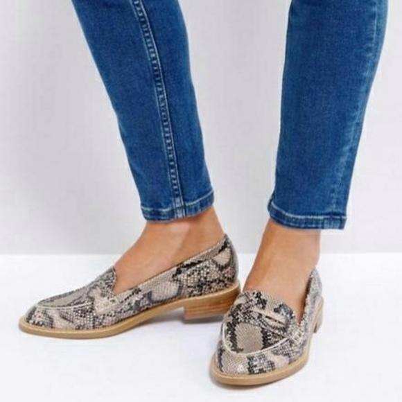 43326a98042c ASOS Shoes - ASOS Munch Loafer Flat Shoes Snake Print Sz 8